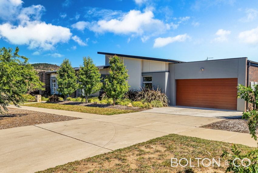 92 Peter Cullen Way, Wright 37