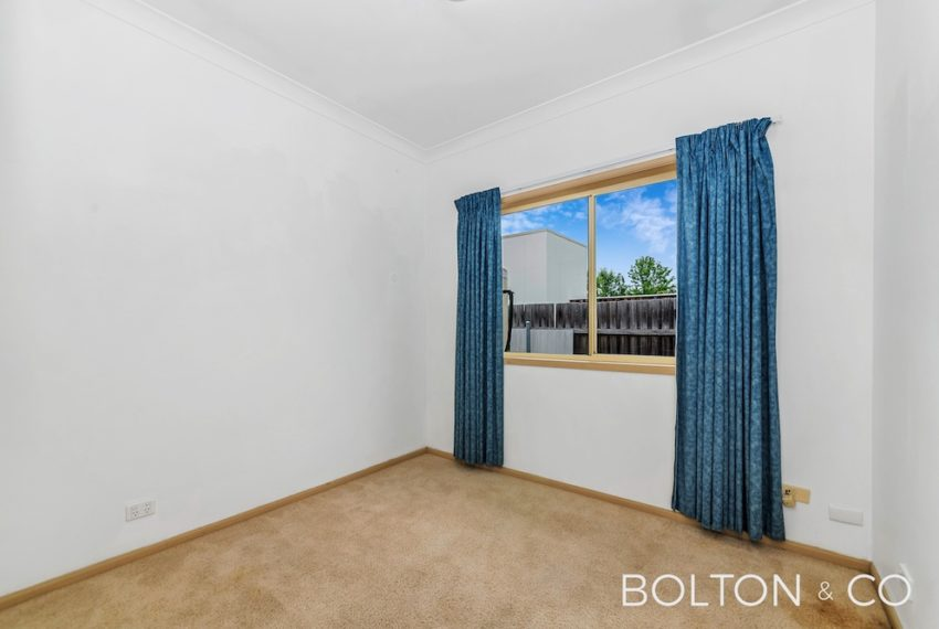 16 Towns Cres, Turner-6