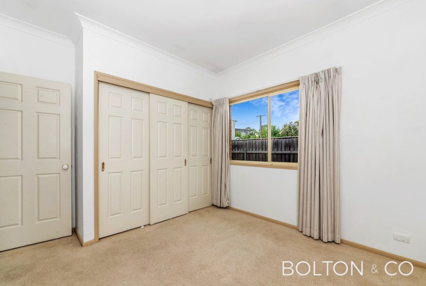 16 Towns Cres, Turner-7